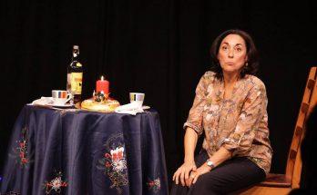 Assun Planas interpreta l'obra La sorpresa del roscó