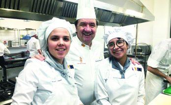Cristina Llorens a l'esquerra de la imatge