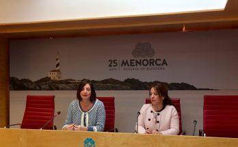 Maite Salord i Sílvia Gomila, responsable de la Casa de Menorca de Barcelona.
